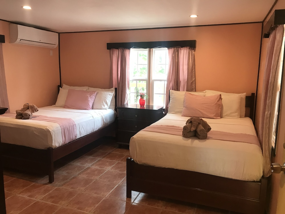 Room, La Isla Resort