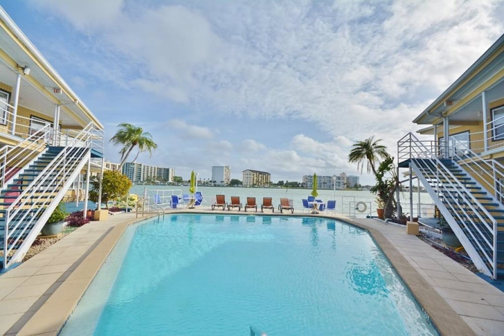Ebb Tide In St Petersburg Clearwater Hotel Rates Reviews On