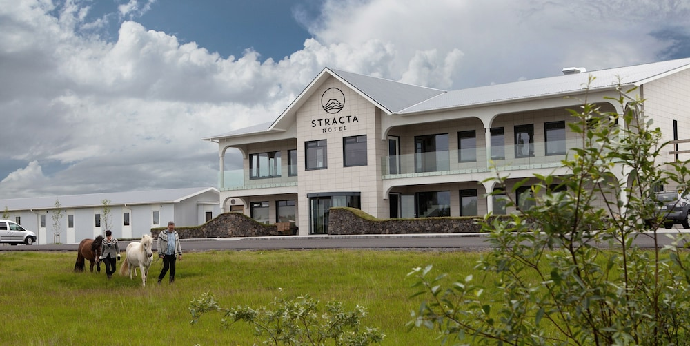 Featured Image, Stracta Hotel