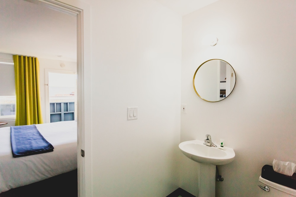 Bathroom, Mylo Hotel