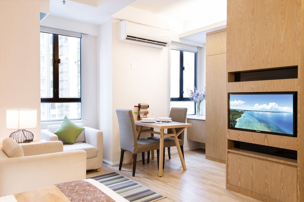 In-Room Dining, Eaton Residences, Wan Chai Gap Road