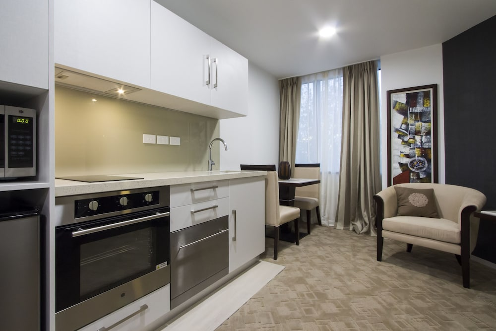 Private Kitchen, VR Queen Street - Hotel & Suites