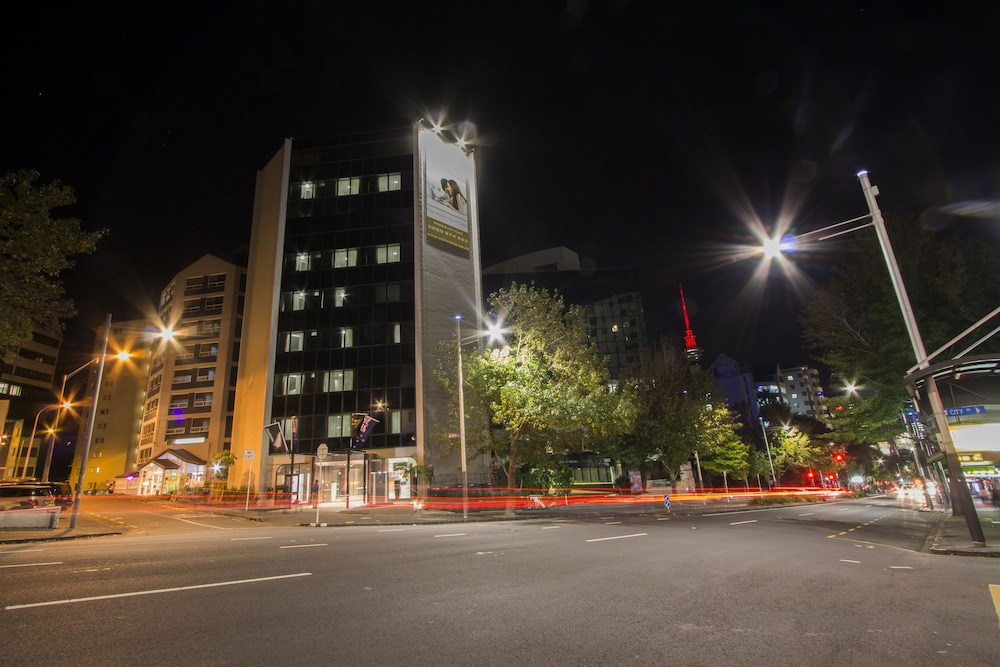 Front of Property - Evening/Night, VR Queen Street - Hotel & Suites