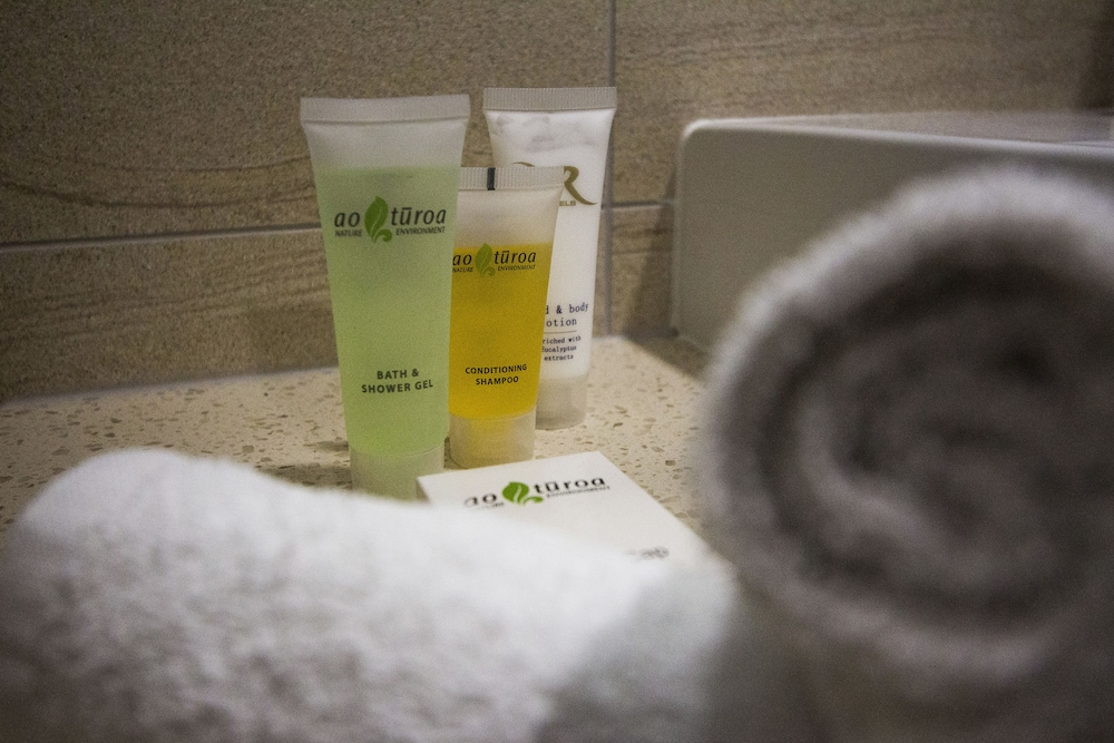Bathroom Amenities, VR Queen Street - Hotel & Suites