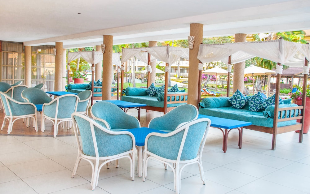 Amani Tiwi Beach Resort 4 0 Out Of 5 View From Hotel Featured Image Lobby Sitting Area