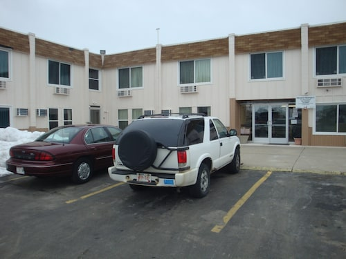 Great Place to stay Economy Inn near Green Bay
