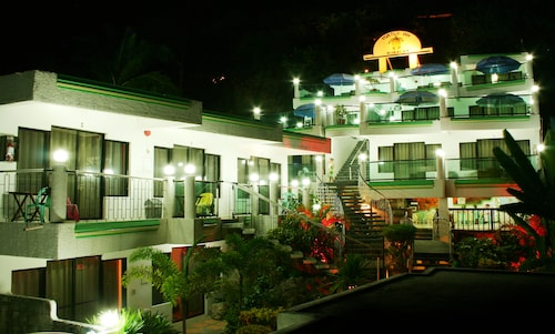 Turtle Inn Resort