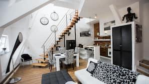 Frigorifero con congelatore, microonde, piano cottura, lavastoviglie