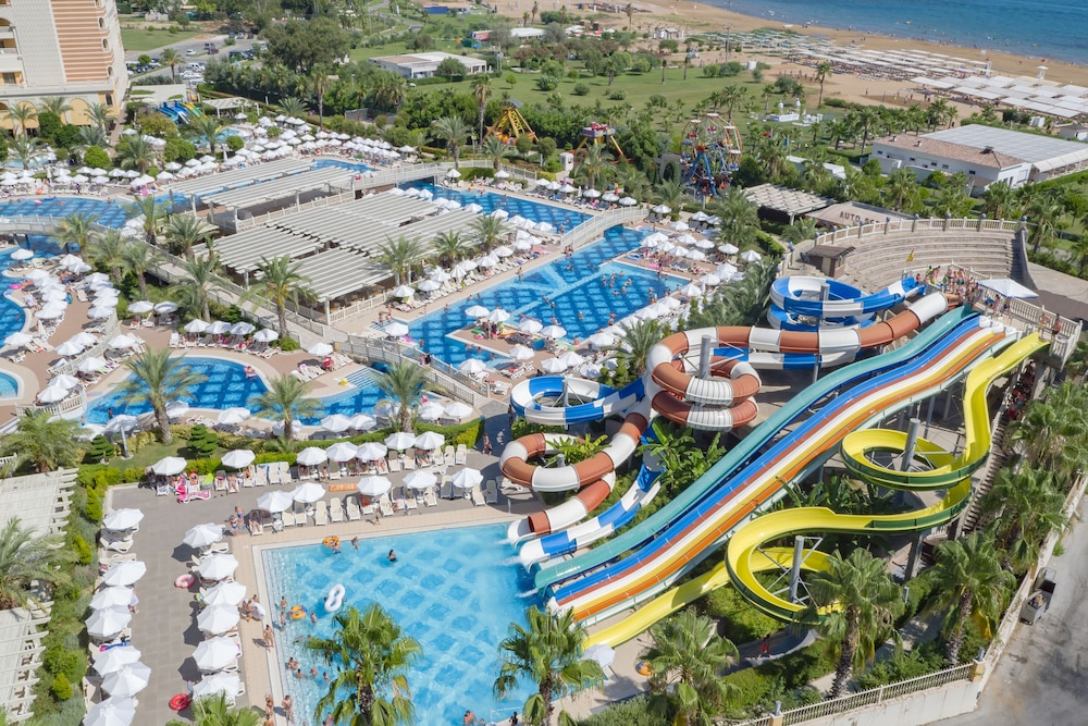 Water Park, Royal Alhambra Palace – All Inclusive