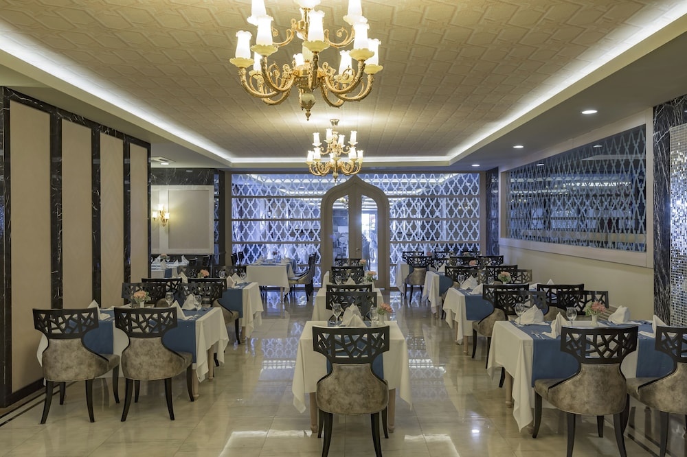 Restaurant, Royal Alhambra Palace – All Inclusive