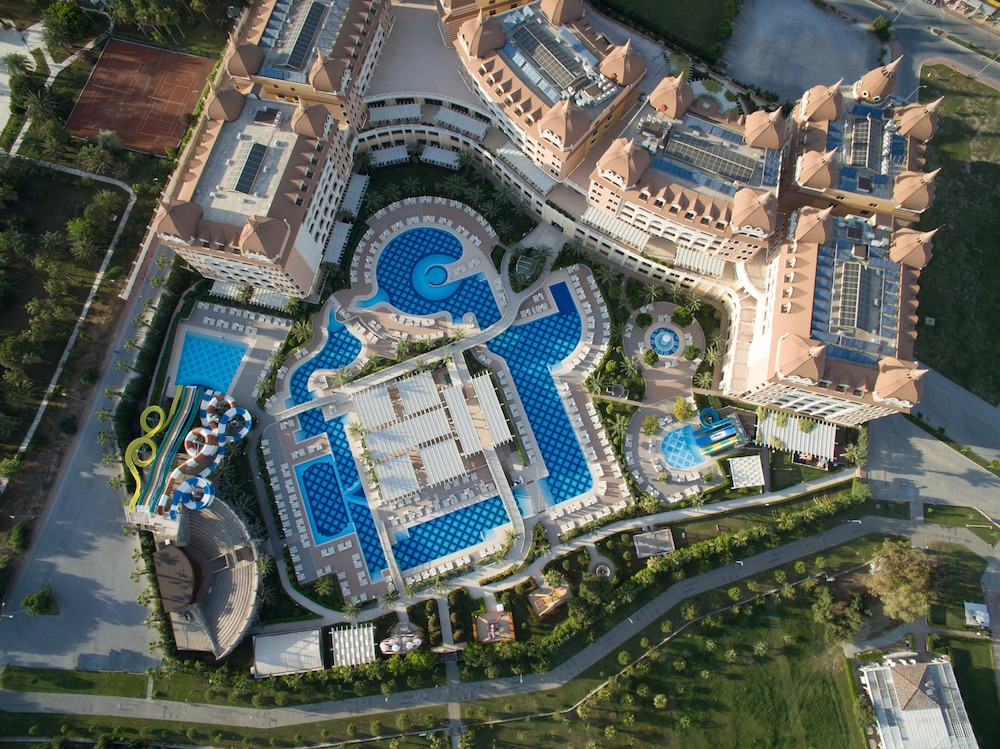 Aerial View, Royal Alhambra Palace – All Inclusive