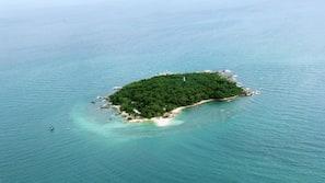 私家海滩、沙滩椅、浮潜、海滨酒吧