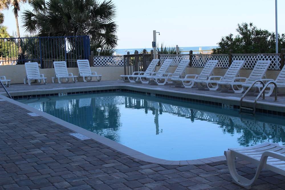 Outdoor Pool, Blu Atlantic Oceanfront Hotel & Suites