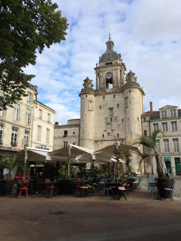 Book h tel la marine la rochelle hotel deals for Hotels la rochelle