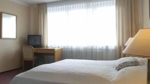 Ropa de cama hipoalergénica, escritorio, tabla de planchar con plancha