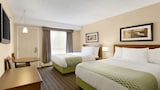 Colonial Square Inn & Suites - Saskatoon Hotels