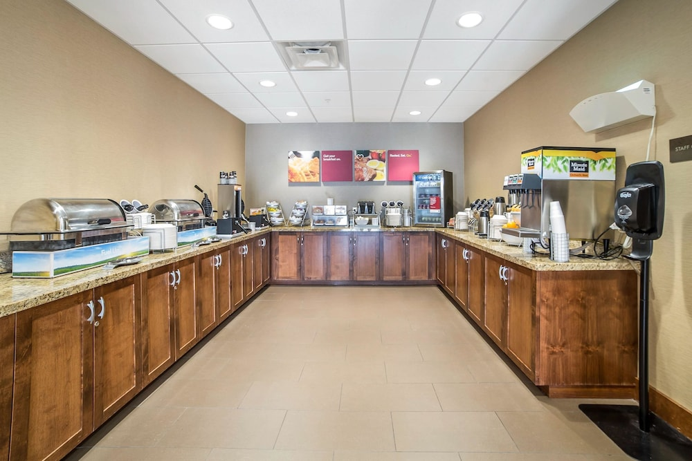 Breakfast Area, Comfort Suites Moab near Arches National Park