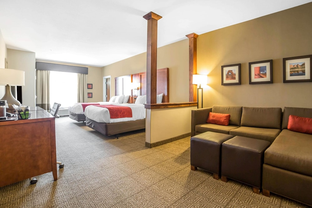 Room, Comfort Suites Moab near Arches National Park