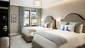 Frette Italian sheets, premium bedding, in-room safe, iron/ironing board
