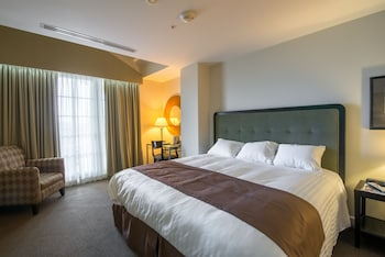 Superior Room, 1 King Bed, Balcony - Guestroom