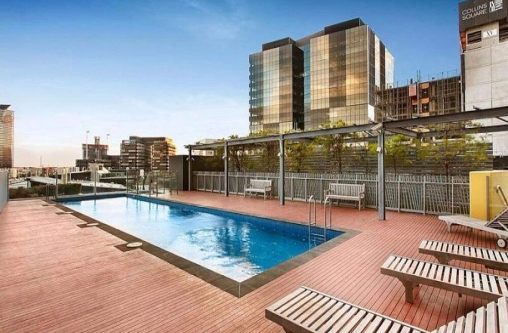 Melbourne Holiday Apartments At Mccrae Docklands