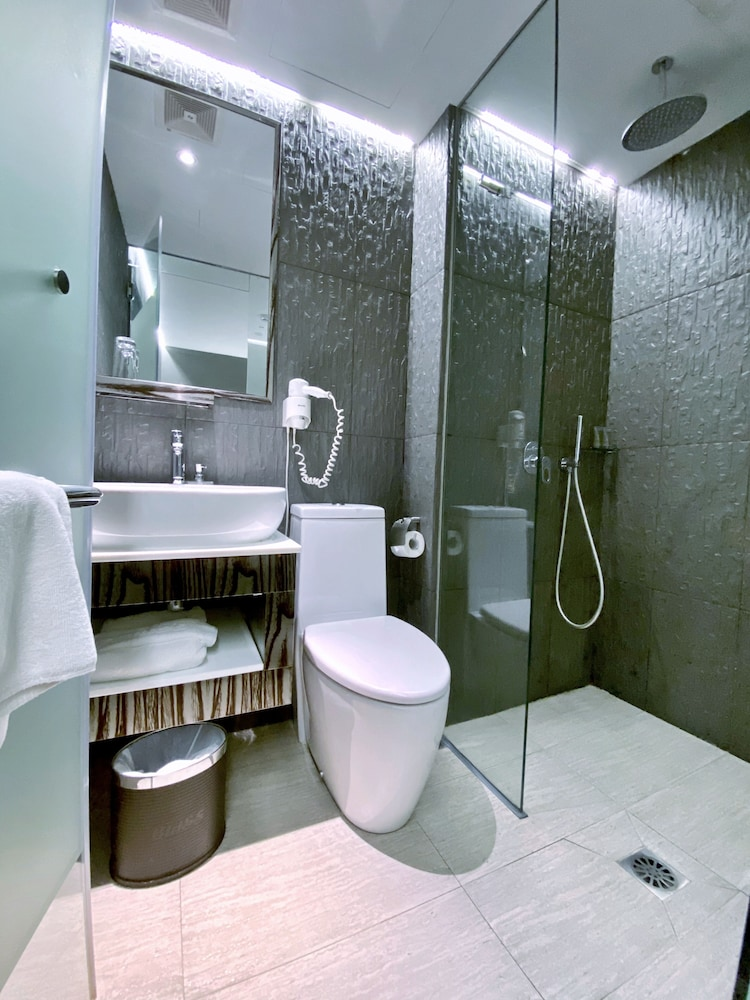 Bathroom, Bliss Hotel Singapore (SG Clean)