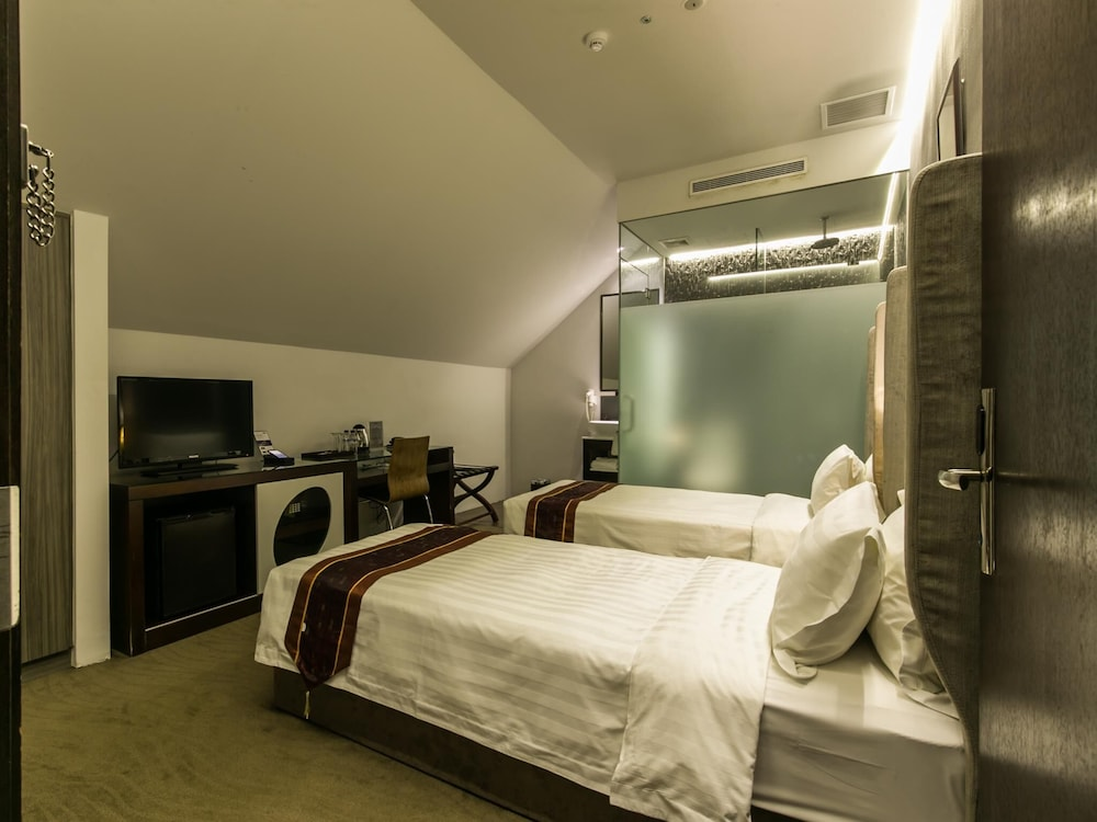 Room, Bliss Hotel Singapore (SG Clean)