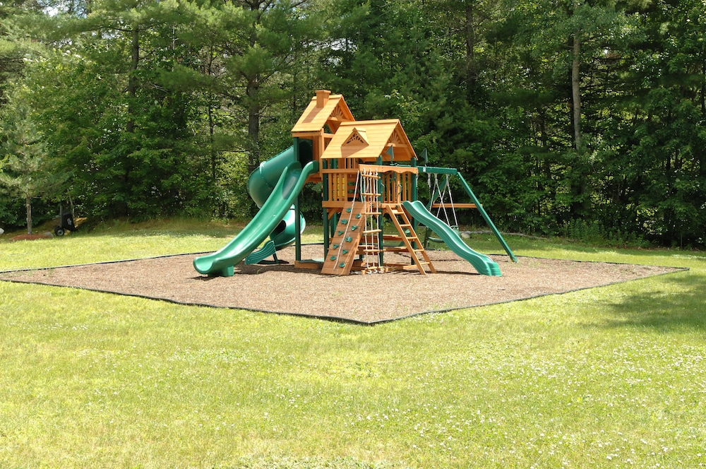 Children's Play Area - Outdoor, Saco River Motor Lodge & Suites