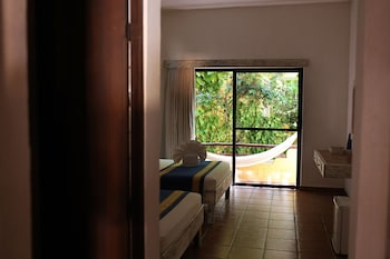 Room, 2 Double Beds, Garden View - Guestroom