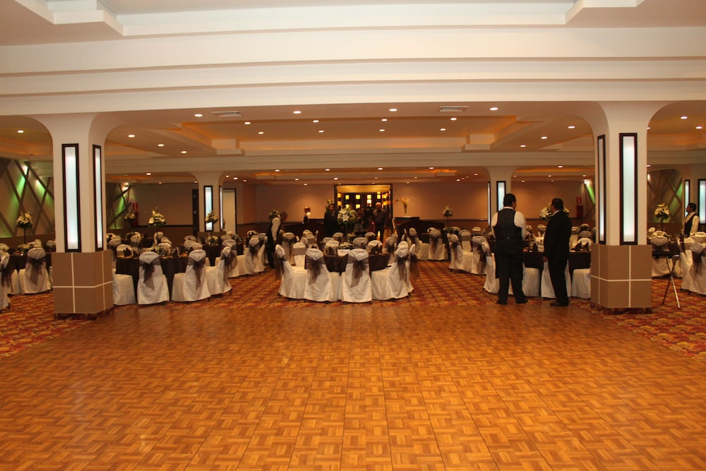 Banquet Hall, Hotel Ticuán