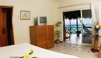 Suite, 1 King Bed, Ocean View (with shared terrace) - Guestroom