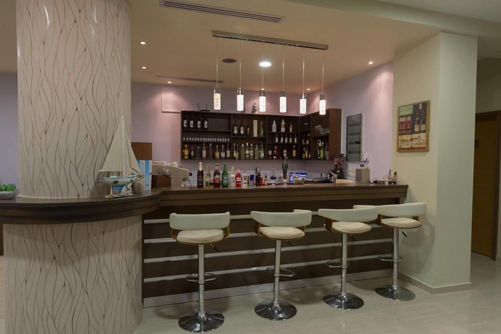 Bar, Aquamarine Hotel