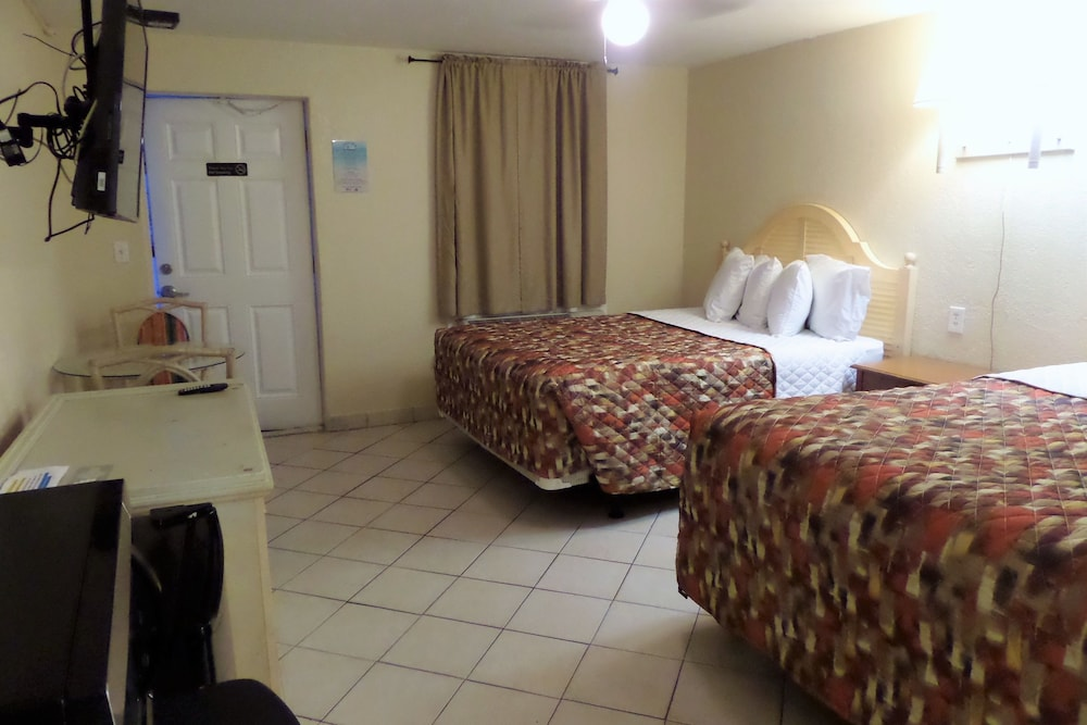 Room, Daytona Shores Inn and Suites
