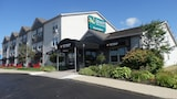 Quality Inn & Suites Amsterdam - Fredericton Hotels