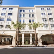Wyndham Grand Jupiter at Harbourside Place