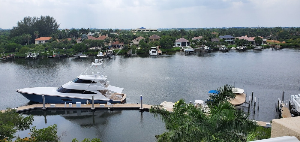 Balcony View, Wyndham Grand Jupiter at Harbourside Place