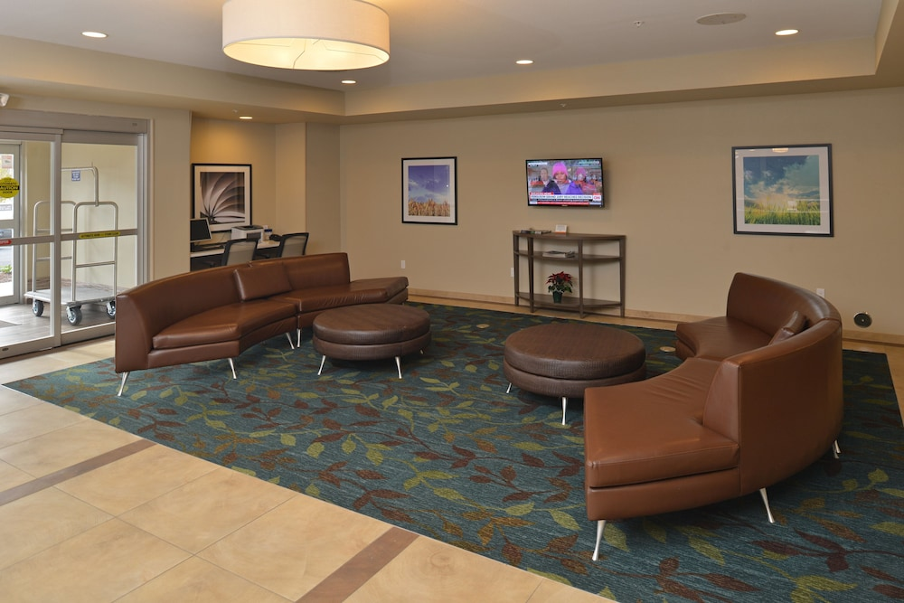 Lobby, Candlewood Suites Eugene Springfield, an IHG Hotel