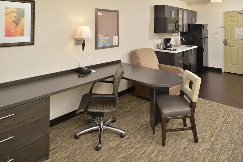 In-Room Business Center, Candlewood Suites Eugene Springfield, an IHG Hotel