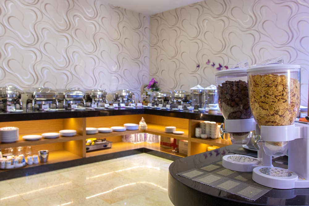 Breakfast buffet, Hotel Icon Bangkok Sukhumvit
