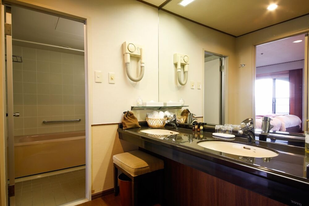 Bathroom Sink, Plaza Awajishima