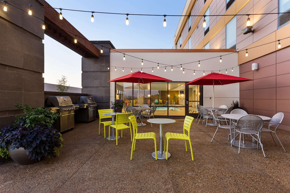 Restaurant, Home2 Suites by Hilton Fargo, ND