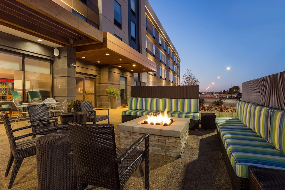 Terrace/Patio, Home2 Suites by Hilton Fargo, ND