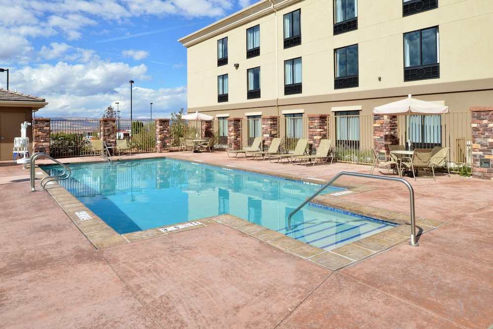 Pool, Holiday Inn Express & Suites Page, an IHG Hotel