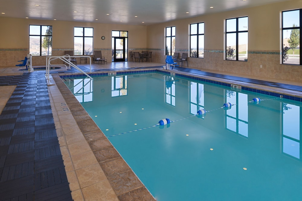 Pool, Holiday Inn Express & Suites Pocatello