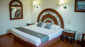 Minibar, escritorio, wifi gratis y ropa de cama