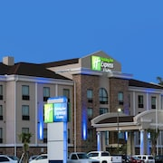 Holiday Inn Express & Suites Houston North - IAH Area