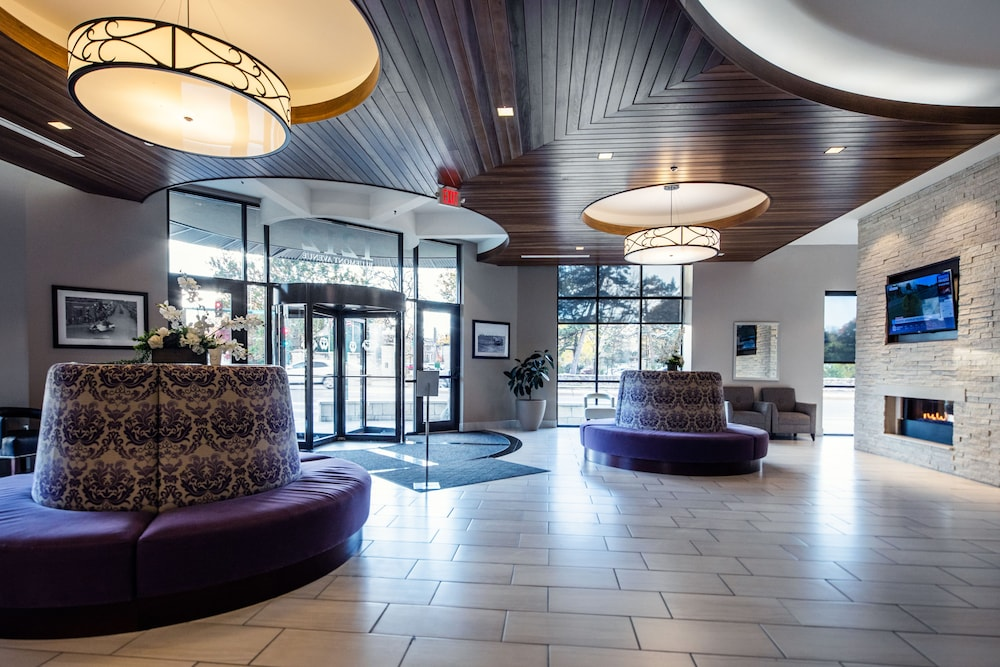 Lobby, The Bluemont Hotel