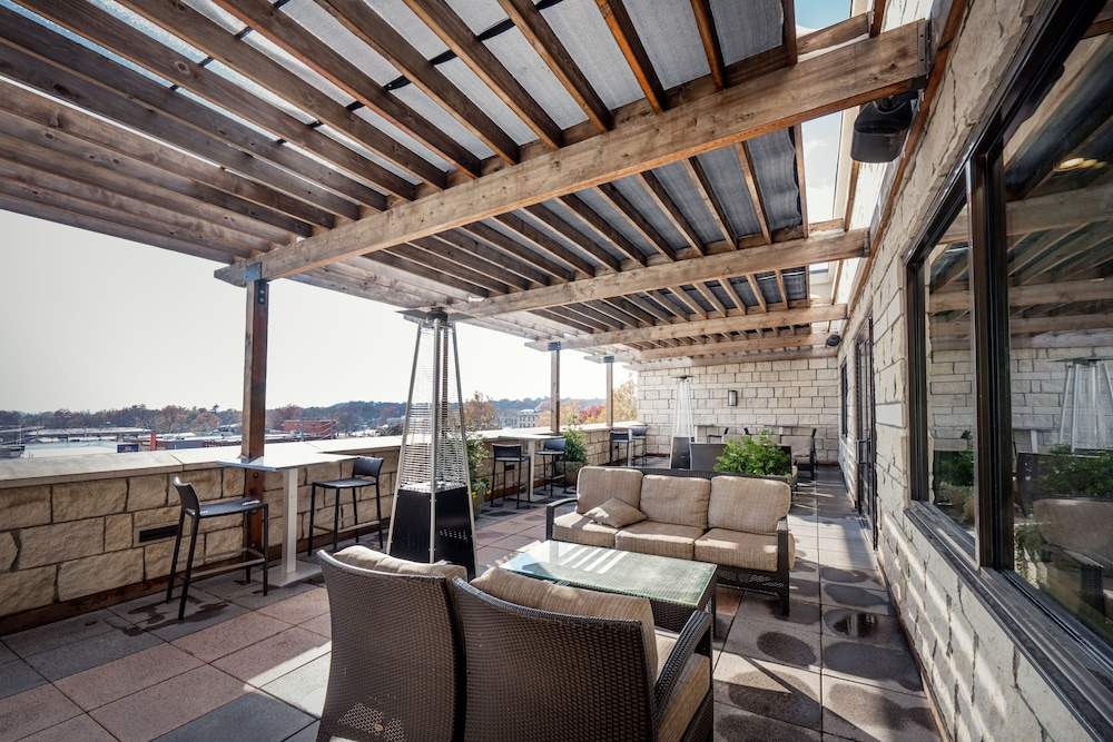 Terrace/Patio, The Bluemont Hotel