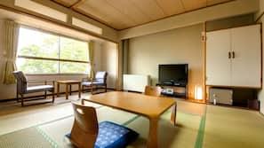In-room safe, desk, blackout drapes