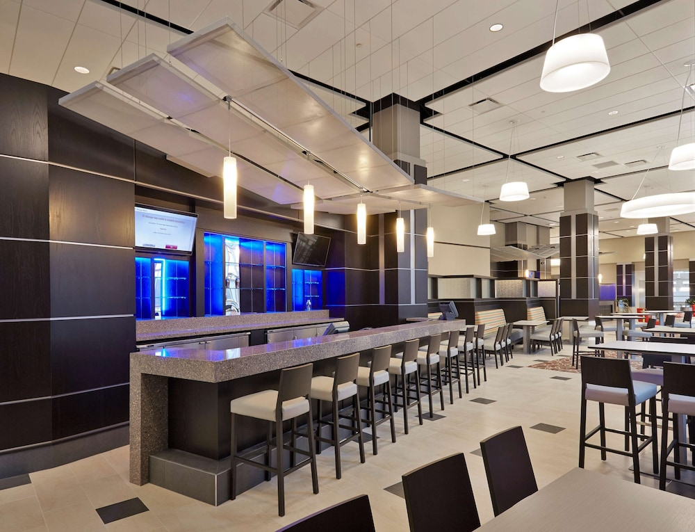 Bar, Doubletree By Hilton Lawrenceburg